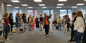 Gruppe von Frauen bei einem Workshop