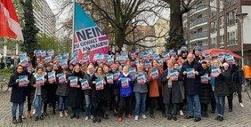 Aktion vor dem DGB-Haus: Nein zu Gewalt an Frauen - ILO-Konvention C190 ratifizieren